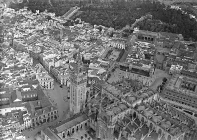 Vista aérea del entorno de la Catedral y el barrio de Santa Cruz.