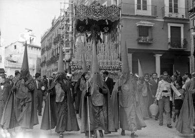Bernardo en la calle Mateos Gago